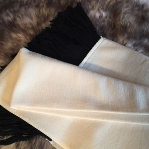 New Tokuko 1er Vol Wool Knit Wrap Scarf Shawl